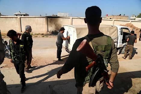 Kurdien SDF-joukkojen taistelijat valmistautuivat puolustautumaan Turkin armeijaa vastaan Ras al-Ainissa.