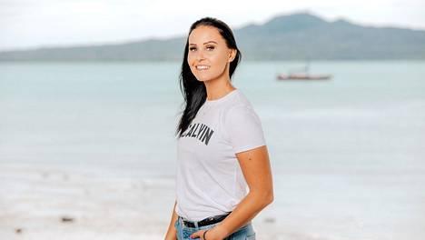 24-vuotias Jane matkustaa tällä kertaa hoitamaan lapsia Aucklandiin.