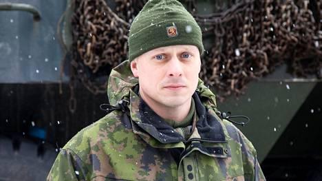 Kapteeni Petteri Lahikainen kuvattuna 16.4.2020 Kaartin jääkärirykmentin harjoituksessa Vantaalla.
