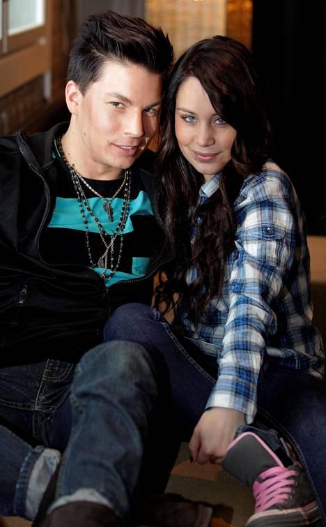 Tuisku ja Anna Abreu kuvattuna vuonna 2010.