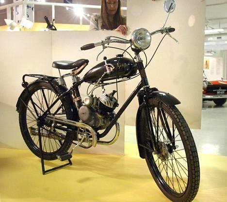 Moottoripolkupyörä Pyrkijä vuodelta 1938.