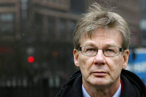 Aalto-yliopiston taloustieteen professori Pertti Haaparanta ei ymmärrä argumentteja eläkkeiden leikkaamisen puolesta.