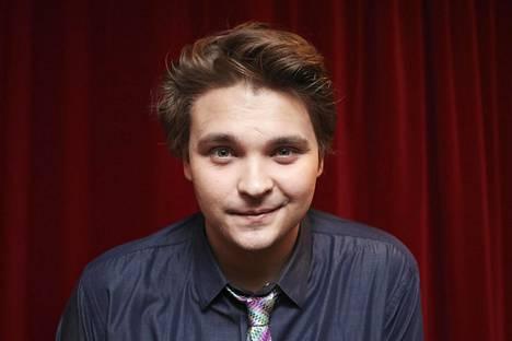Keväällä 2015 Salminen osallistui Tähdet, tähdet -sarjaan. Ohjelman myötä hän tuli tutuksi koko kansalle, kun hän ilmestyi suomalaiskotien olohuoneisiin esittämään eri musiikkigenrejen kappaleita.