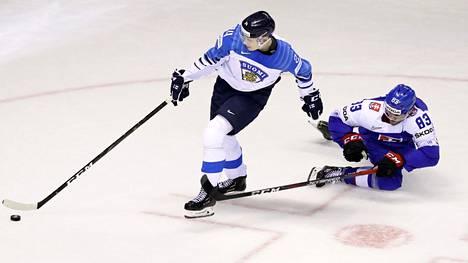 Kaapo Kakko oli liian liukas myös Slovakialle MM-jäillä.