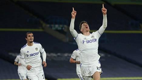 Leedsin Diego Llorente juhli tasoitusmaaliaan.