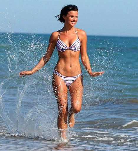 Glamourelämää Essexissä -realitysarjassa mukana ollut malli-yrittäjä Lucy Mecklenburgh nautti auringosta Italiassa.
