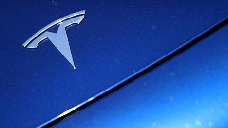 Elon Muskin mukaan muut valmistajat voivat lisensoida Tesla-autojen tekniikkaa. Hintaa hän ei ole kuitenkaan kertonut.