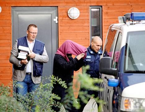 Turunen palasi rikospaikalle, kun oikeus jalkautui sieppausasuntoon syyskuussa 2009.