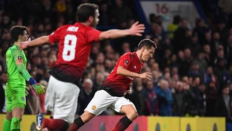 Chelsean tuska syveni – Manchester United vakuuttavasti puolivälieriin