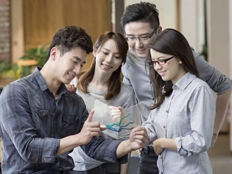 Samsung Display esittelee verkkopalvelussaan näyttävästi läpinäkyviä näyttöjä