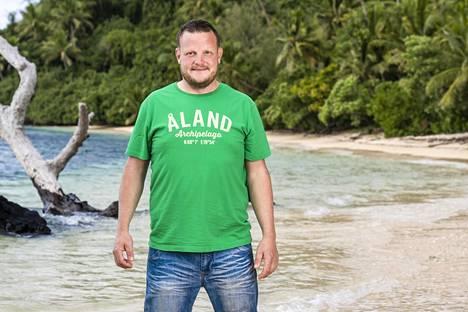 Huippukokki Michael Björklund voitti vuoden 2020 Robinsonin.