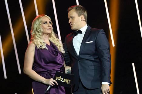 Kottonen juonsi Talent Suomen tänä syksynä Heikki Paasosen kanssa.