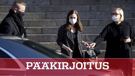 Pääministeri Sanna Marin (sd) poistui torstaina Säätytalon koronaneuvotteluista.
