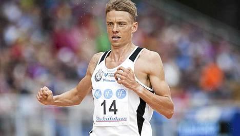 Jukka Keskisalo juoksee Monacossa.