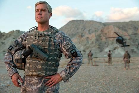 Afganistanin sotaan sijoittuva War Machine on saanut katsojia, mutta kriitikot eivät elokuvalle ole lämmenneet.