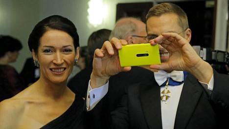 Suzanne Innes-Stubb ja Alexander Stubb Linnan juhlissa vuonna 2012.