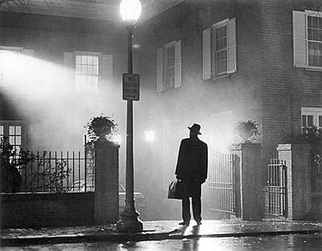 Britit äänestivät Manaajan kaikkien aikojen parhaaksi kauhuelokuvaksi.