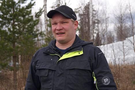 Viljelijä ja koneyrittäjä Otto Saikkonen uskoo, että viljelijät ovat valmiit turvautumaan jopa oman käden oikeuteen, ellei valkoposkihanhien aiheuttamiin ongelmiin saada pikaista ratkaisua. Ainakin täysi korvaus vahingoista on saatava.