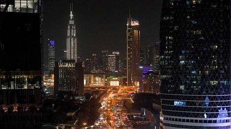 Arabiemiirikuntiin kuuluu seitsemän emiraattia, joista yksi on kuvassa näkyvä Dubai.