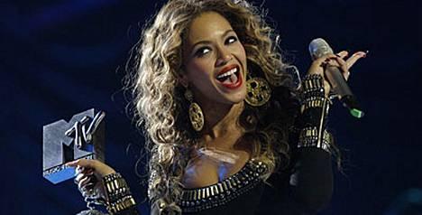 Beyoncé keräsi kolme palkintoa.