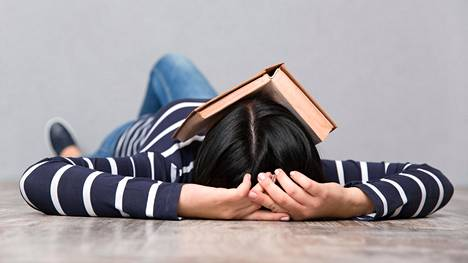 Auttavatko päiväunet, jos yöllä nukkuu vain 6 tuntia?