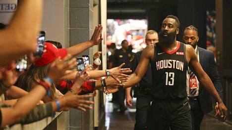 LA Clippers rynnisti viidenteen peräkkäiseen voittoon ja kohti pudotuspelejä, Houston löi New Orleansin