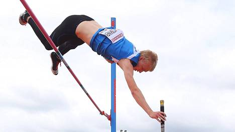 Niko Koskinen hyppäsi alle 19-vuotiaiden EM-hopeaa.