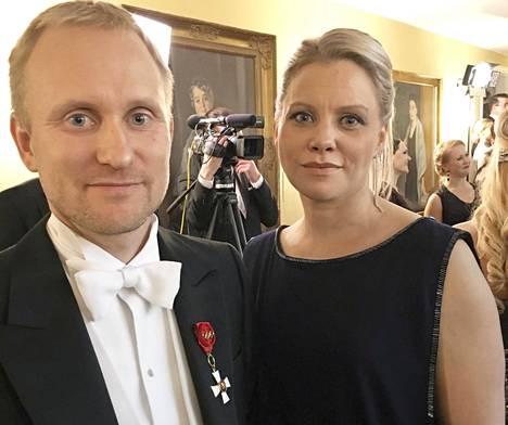 Samppa Lajusta ei ole urheiluvuosiensa jälkeen paljon julkisuudessa nähty. Lajunen saapui kuitenkin vaimonsa Hannan kanssa Linnan juhliin itsenäisyyspäivänä 2017.