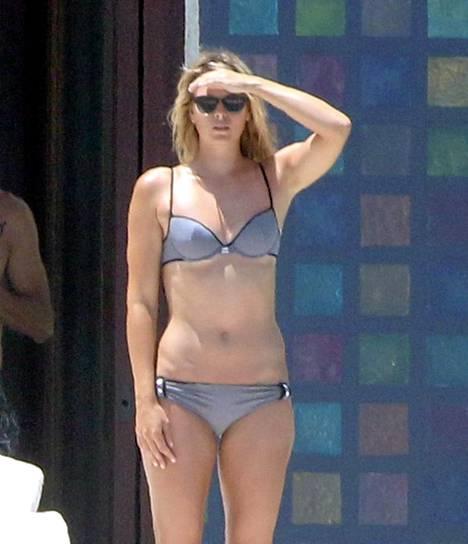 Maria Sharapova esitteli bikinivartaloaan lomallaan Meksikossa.