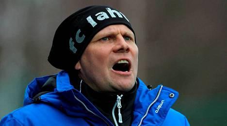 Toni Korkeakunnas palasi Saviniemen stadionille FC Lahden valmentajana.