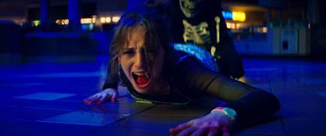 Fear Street -teinikauhuelokuvien Heatheria näyttelee Maya Hawke.