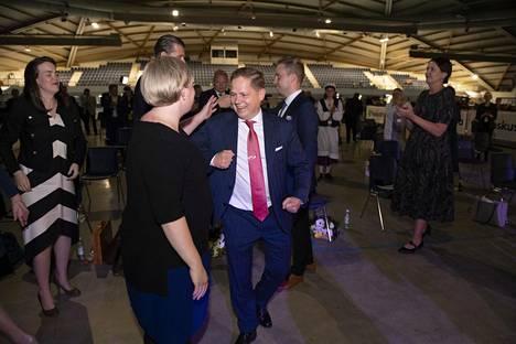 Suuri peli? Taustalla Annikka Saarikkoa juntattiin puheenjohtajaksi samoissa lestadiolaisjoukoissa kuin lappilaista Markus Lohea varapuheenjohtajaksi. Kumpikin tavoite onnistui.