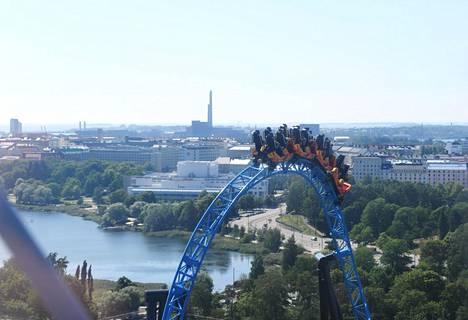 Linnamäen huvipuistossa on oivat näköalat Helsinkiin.