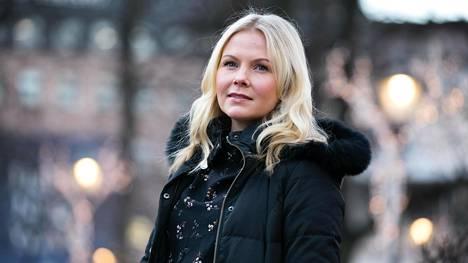 Anna Katri Räihä on matkabloggaaja ja ympäristöalan konsultti. Tuoreessa blogikirjoituksessaan hän käsittelee ilmastoahdistuksen ja lentomatkatilun suhdetta.