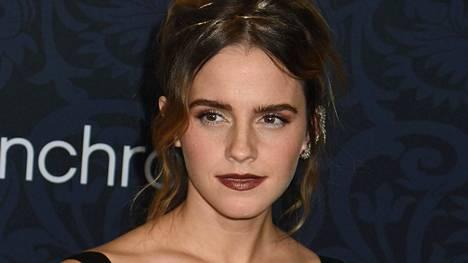 Emma Watson juhlisti kampauksensa sirolla pannalla.