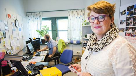 Jaana Selin toimittaa Ylen Kansanradiota 11 yhdessä Olli Haapakankaan kanssa.