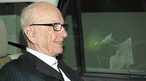 Rupert Murdochin News Corporation veti pois tarjouksensa BSkyB-yhtiöstä.