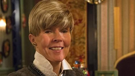 Helena Petäistö löysi sittenkin itselleen puvun Linnan juhlia varten.