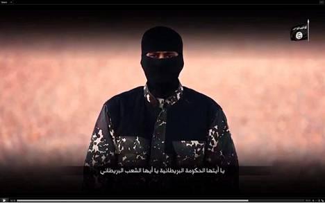 Jihadi-John Isisin propagandavideolla.