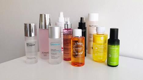 Hoitovedet ja hoitonesteet ovat kauneudenhoidon uusi suosikkikategoria. Hoitovesi on tarkoitus lisätä iholle ennen seerumia ja kasvovoidetta.