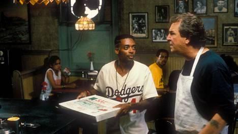 Spike Leen läpimurtoelokuva oli Do the Right Thing (1989). Lee myös näytteli elokuvan pääosan.