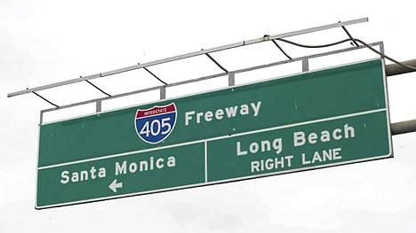 Moottoritie 405 on yksi Los Angelesin vilkkaimmista teistä.