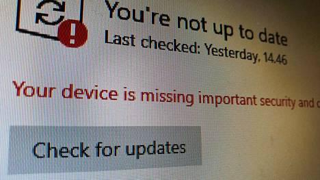 Windows 10:n pitäisi ladata tärkeä päivitys automaattisesti.