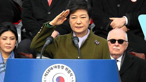 Etelä-Korean ensimmäinen naispresidentti Park Geun-hye vannoi maanantaina virkavalansa.