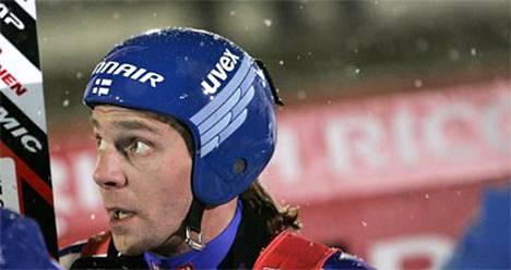 Janne Ahonen hyppäsi parhaimmillaan 129,5 metriä.