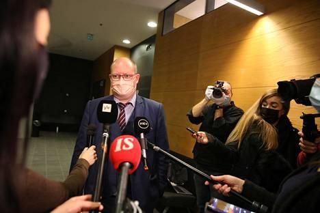 Veijo Baltzarin puolustusasianajaja Jussi Sarvikivi.
