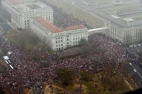 Washingtonin marssille odotettiin jopa puolta miljoonaa osallistujaa.