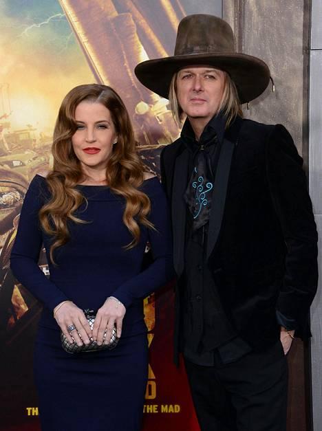 Lisa Marie Presley ja Michael Lockwood kävivät läpi myrskyisän avioeron.