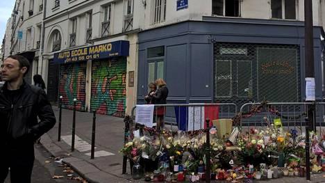 Pariisin iskuissa kuoli 130 ihmistä.