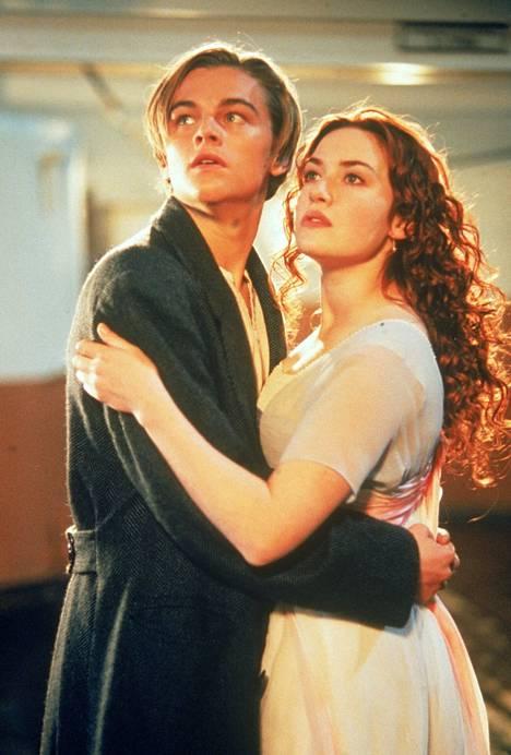 Kate Winslet ja Leonardo DiCaprio tähdittivät Titanic-elokuvaa, joka voitti aikanaan yksitoista Oscaria.
